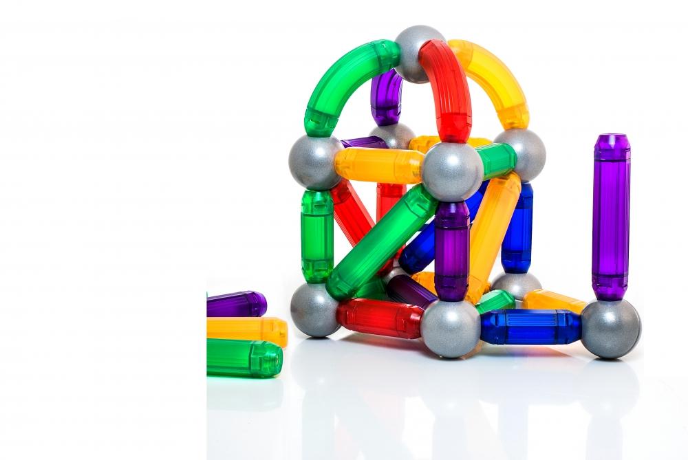 Joc de construcție magnetic